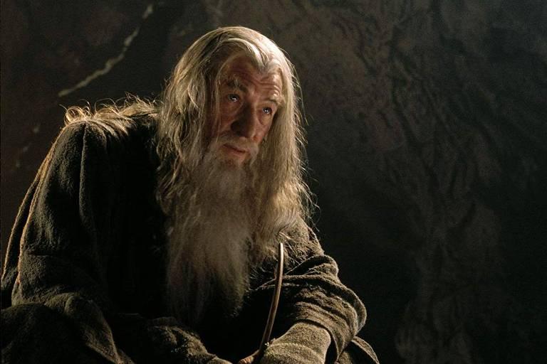 Gandalf é interpretado por Ian McKellen em Senhor dos Anéis