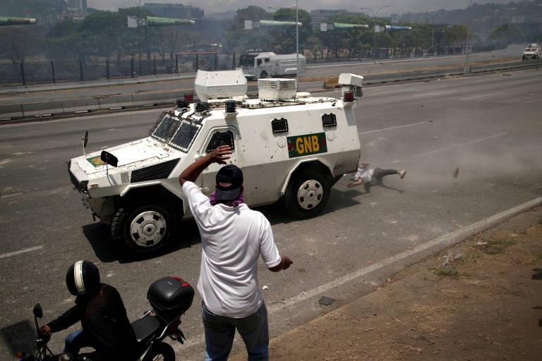 Guaidó tenta derrubar Nicolás Maduro da Presidência venezuelana