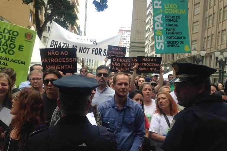 Pessoas em protesto