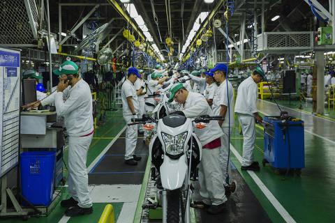 MANAUS, AM, 05.08.2018 - Linha de montagem de motos na fábrica da Honda no distrito industrial da Zona Franca Manaus, em Amazonas. (Foto: Lalo de Almeida/ Folhapress)