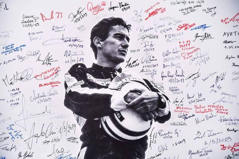 Ímola homenageia Senna após 25 anos