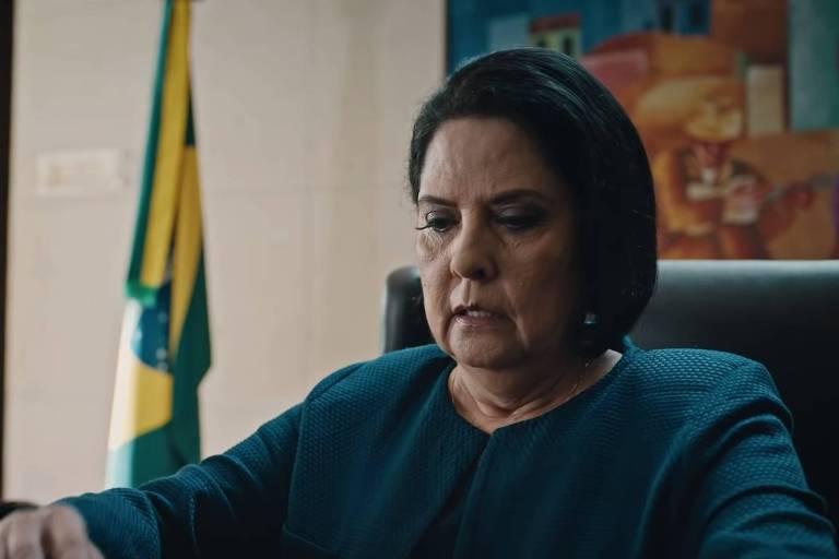 Personagem de presidente do Brasil ameaçada de impeachment na segunda temporada de 'O Mecanismo'