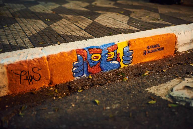 Campanha chama a atenção para falta de rampas nas calçadas de SP