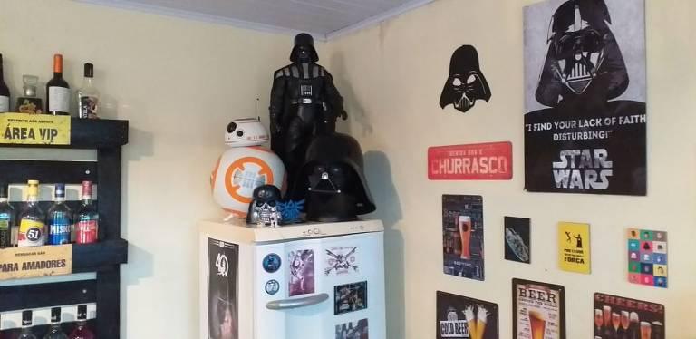 Fã de Star Wars: artesão Alessandro Truze guarda 413 miniaturas de peças da série e mais de 50 naves e veículos do universo Star Wars
