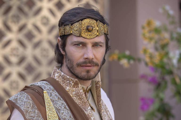 Rei Acabe morre em batalha contra os sírios