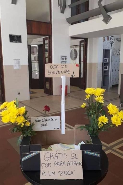 Manifestação na Universidade do Porto, em solidariedade aos estudantes brasileiros da Faculdade de Direito da Universidade de Lisboa
