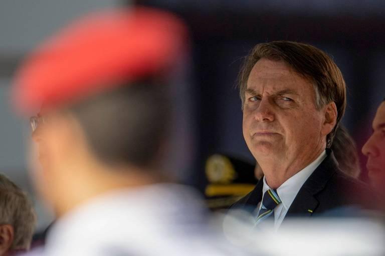 Olavo de Carvalho x Militares