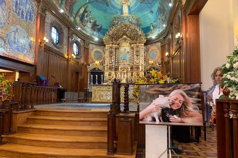 Missa de 7º dia Caroline Bittencourt
