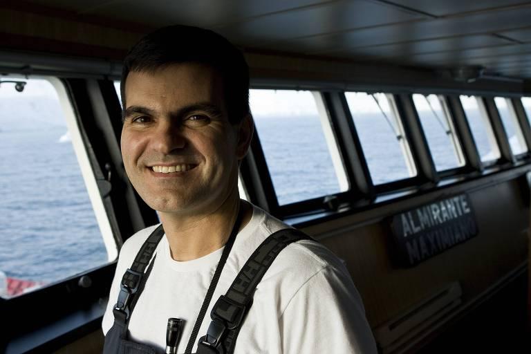 Sergio Ricardo Segovia Barbosa fez parte da missão brasileira na Antártida em 2009 como comandante no Navio Polar Almirante Maximiano