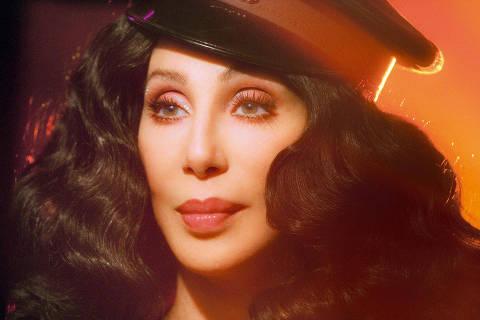 Cinema: a cantora e atriz norte-americana Cher em cena do filme