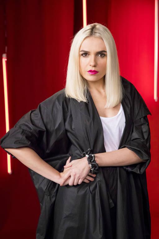 Monica Iozzi - Oficial