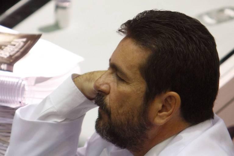 O deputado estadual Wallace Souza durante sessão em que seu mandato foi cassado, em Manaus, em 2009