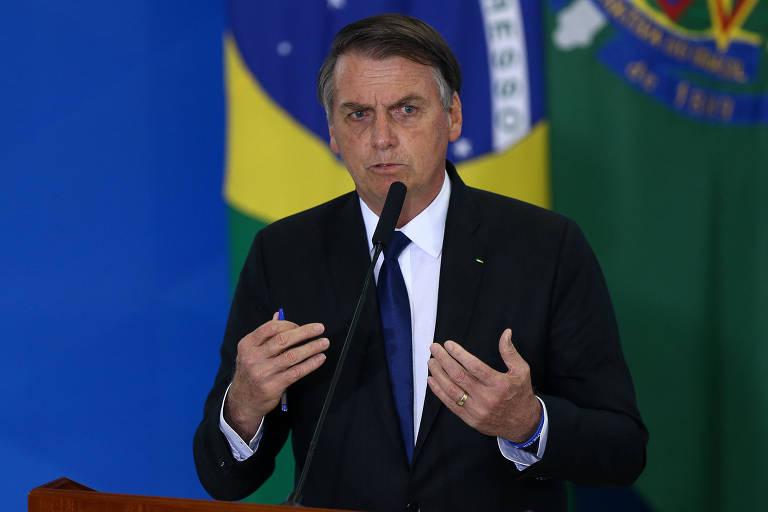 O presidente Jair Bolsonaro (PSL) durante assinatura de decreto presidencial que flexibiliza regras para atiradores esportivos, caçadores e colecionadores de armas
