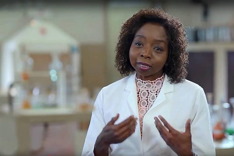 Entrevista com a professora e pesquisadora na área química Joana D'Arc Félix de Sousa