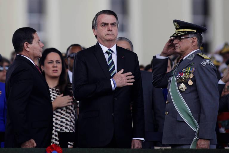 O presidente Jair Bolsonaro (PSL) durante cerimônia em comemoração pelo Dia do Exército