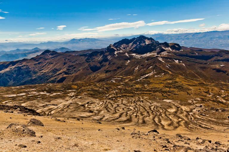 Guagua Pichincha, vulcão ativo nas montanhas andinas do Equador