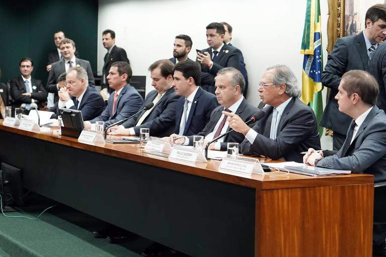 Paulo Guedes vai a comissão especial da Câmara dos Deputados