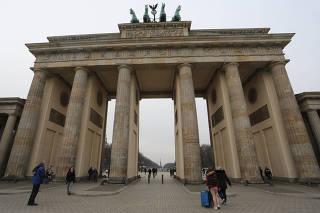 Vista do Portão de Brandemburgo, na região central de Berlim, na Alemanha
