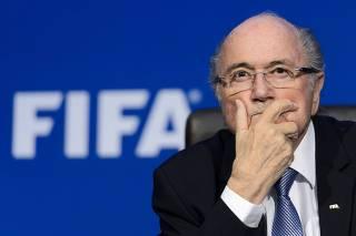 Blatter briga com a Fifa para reaver 80 relógios