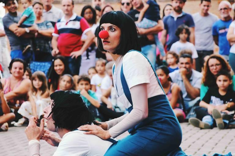 O espetáculo infantil 'As Gêmeas' no Sesc Pompeia