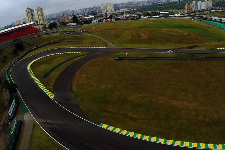 Visão de trecho do autódromo de Interlagos, na zona sul de São Paulo