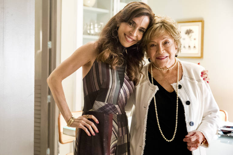 Deborah Evelyn e Nathalia Timberg na novela A Dona do Pedaço