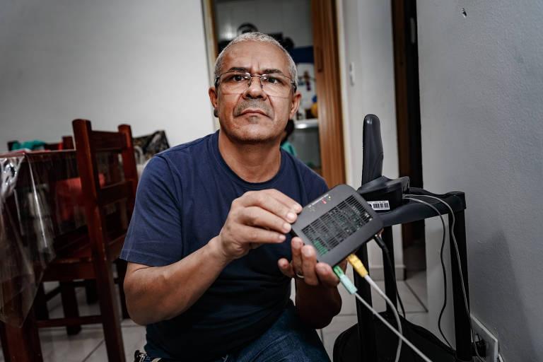 Francisco Cunha está 15 dias sem internet. O Modem apresenta sinal vermelho quando está sem conecção