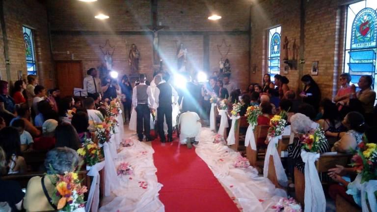 Rosália Macedo da Silva, 38, que realizou o sonho de se casar