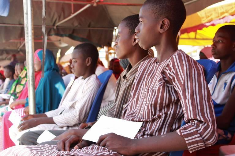 Nigéria desmobiliza quase 900 crianças soldados que lutavam contra o Boko Haram