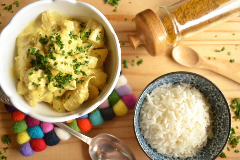 Frango com curry e maçã verde