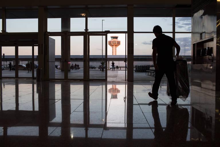 À beira da falência, aérea francesa deixa milhares de brasileiros sem passagem