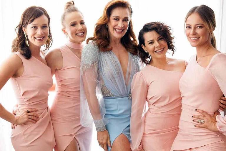 Mariana Ximenes, Marcella Rica, Fernanda Souza e Paolla Oliveira foram daminhas de honra no casamento de Claudia Raia