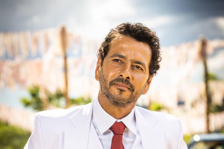 Marcos Palmeira, como Amadeu, ainda na primeira fase de 'A Dona do Pedaço'