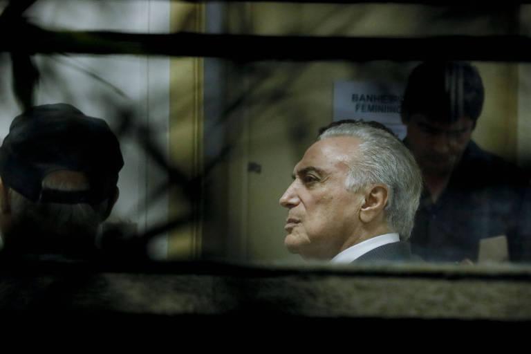 O ex-presidente Michel Temer durante exame de corpo de delito no IML Central, em São Paulo