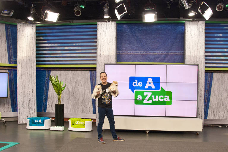 "Celso Zucatelli está no ar com ""De A a Zuca"" na TV Gazeta"