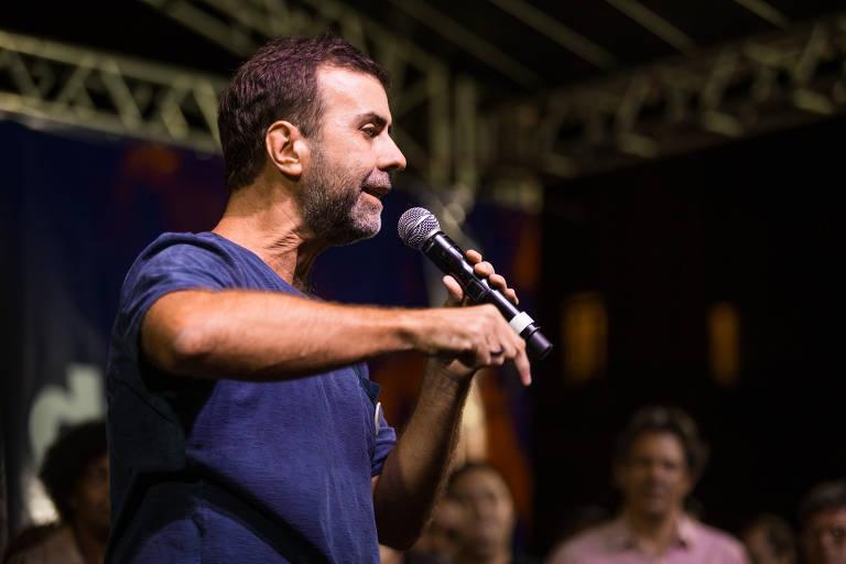 Marcelo Freixo (PSOL) discursa no ato em prol das universidades e da educação pública no Rio