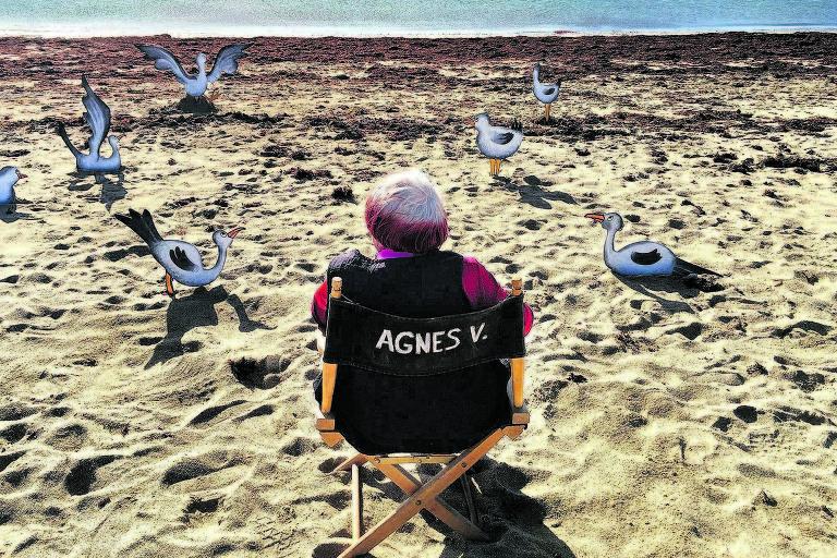 A diretora Agnès Varda em cena do documentário que produziu sobre si mesma e sua obra