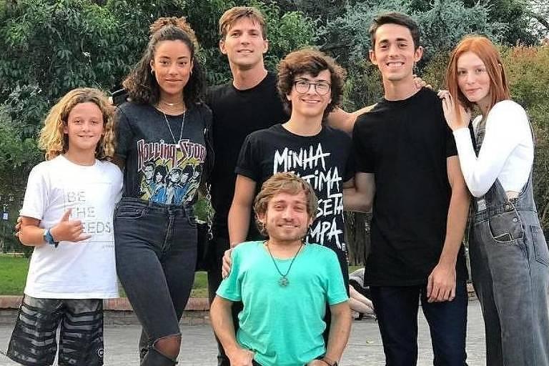 """Elenco do comercial que gravou live-action brasileiro de """"Caverna do Dragão"""""""