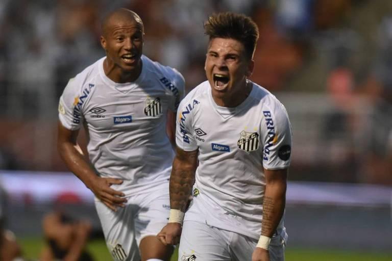 Soteldo comemora o terceiro gol do Santos contra o Vasco