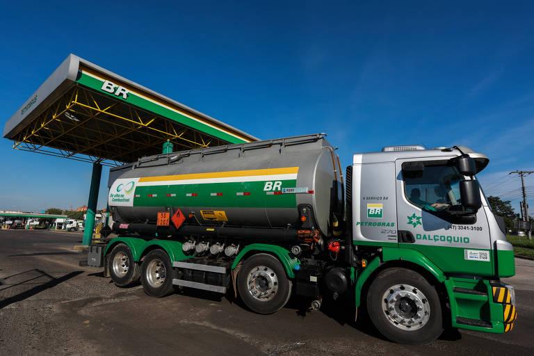 Bolsonaro defende venda direta de etanol pela usina