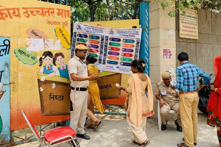 Local de votação em Déli, na Índia