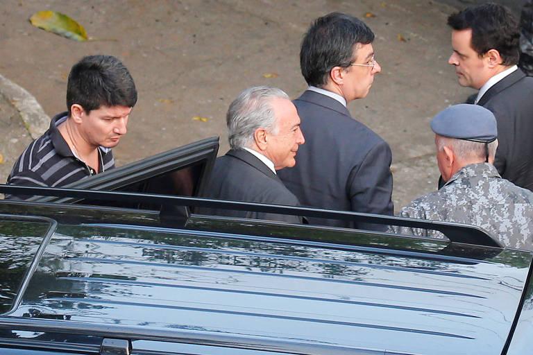 O ex-presidente Michel Temer chega ao Comando de Choque da PM em São Paulo, onde ficará preso