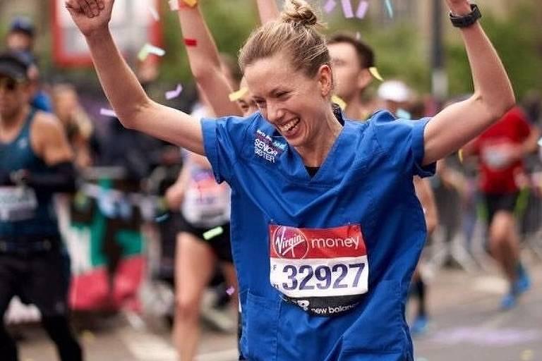 Enfermeira tem recorde inicialmente negado por correr maratona de calça