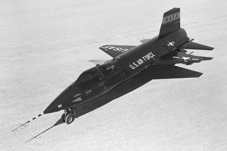 A aeronave norte-americana X-15 , primeiro modelo desenvolvido pelos EUA, em 1959