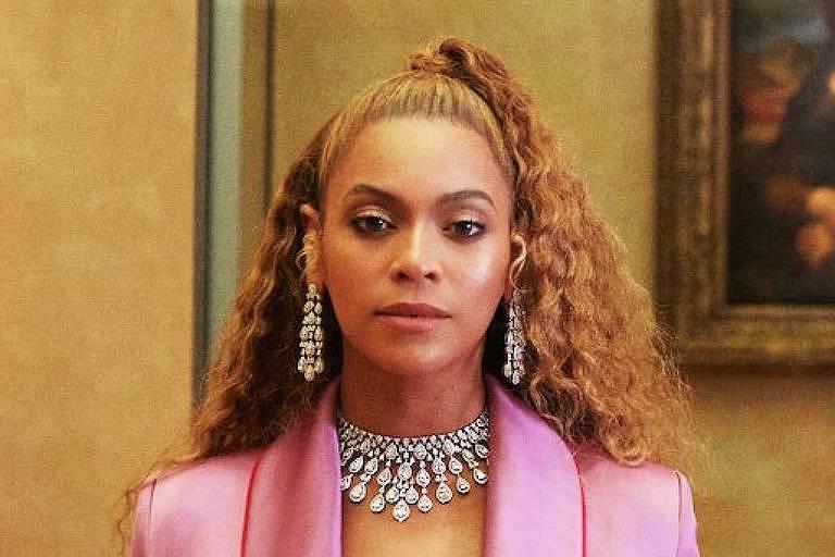 F5 - Celebridades - Beyoncé aparece com cabelos mais lisos e ...