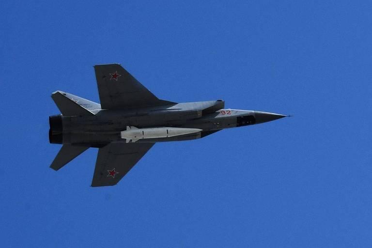 Putin dá recado a Londres e envia caças com mísseis hipersônicos à Síria