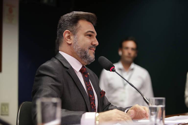 Deputado Marco Feliciano em comissão na Câmara
