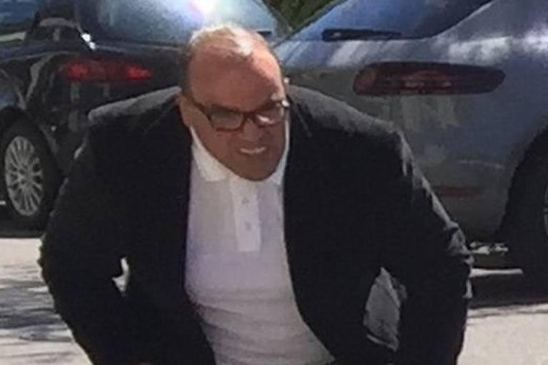 Suspeito procurado pela polícia por roubo de Ferrari