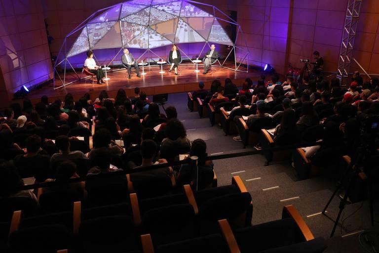 Participantes do terceiro episódio do programa Ciência Aberta em 2019, lançado nesta quarta-feira (15/05), sobre bioenergia. O programa é uma parceria da FAPESP com o jornal Folha de S. Paulo.