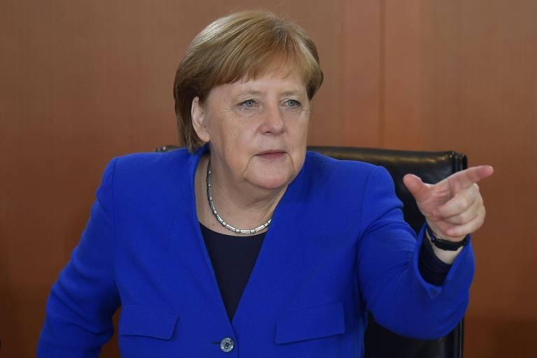 Angela Merkel em reunião de seu gabinete em Berlim nesta quarta
